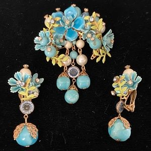 Stunning 1950's Brooch and Earrings